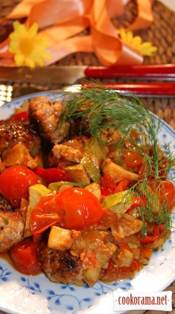 Фрикадели с овощным рагу.
