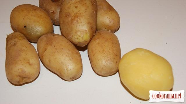 Картофель в обертках.