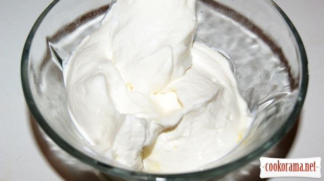 Абрикосовое мороженое-парфе.