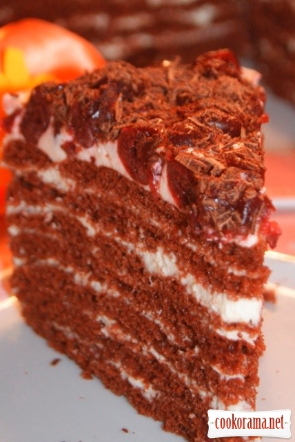 Шоколадный вишнёвый торт.