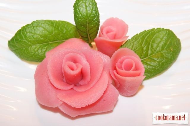Розы их марципана