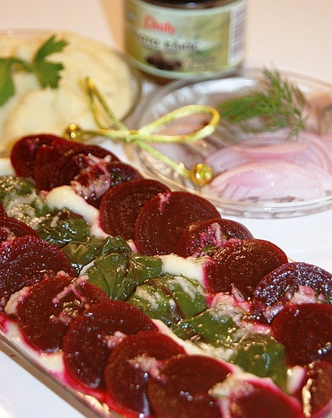 Салат из свеклы по-гречески