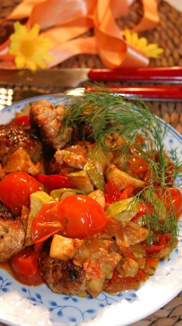 Фрикадели с овощным рагу