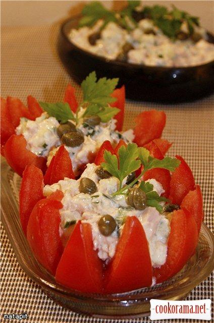 Помидоры фаршированные салатом из тунца и каперсами