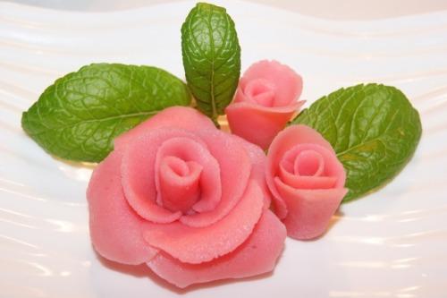 Розы из марципана