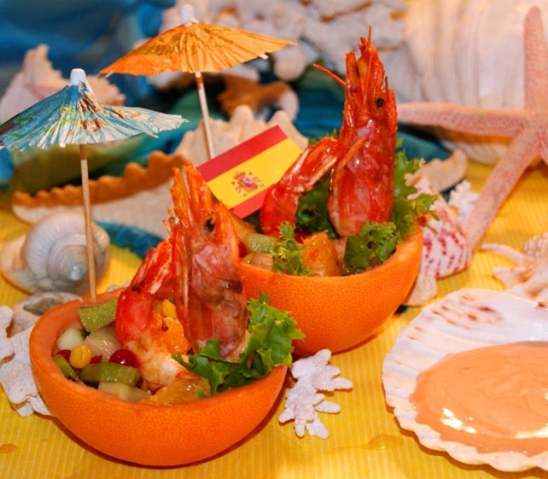 """Салат """"Тропический"""" (Ensalada tropical)"""