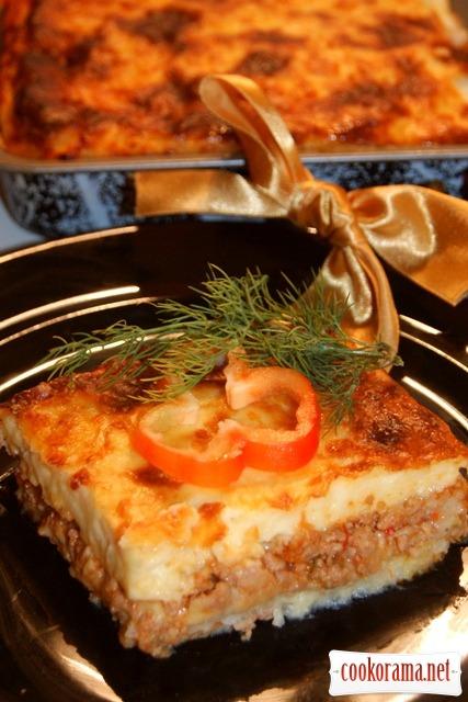 Картофельно-мясная запеканка с кремом бешамель