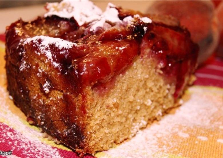 Дрожжевой сливовый пирог