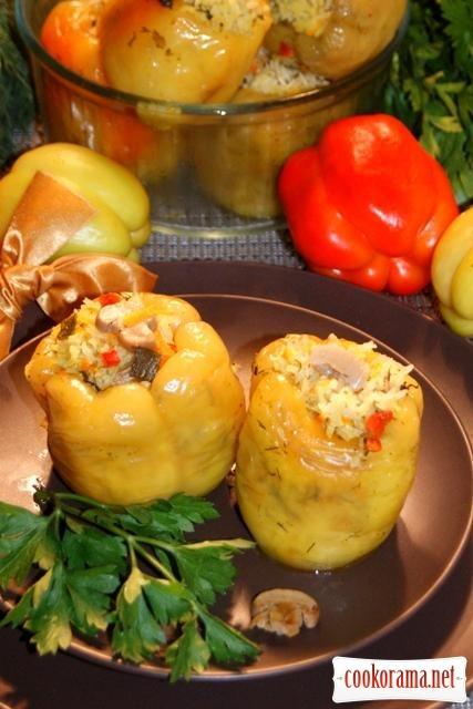 Перец фаршированный рисом Жасмин, грибами и морковью