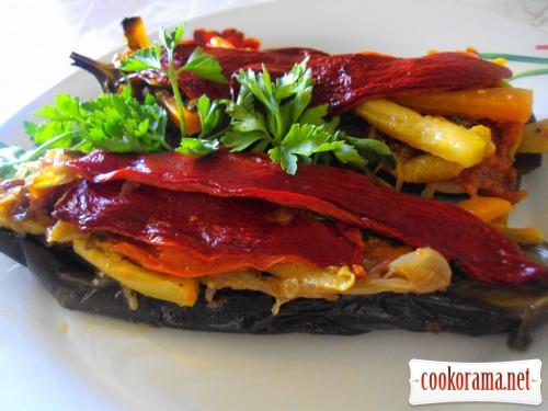 Eggplants stuffed with vegetables