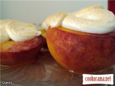 Персики «под шапочкой»