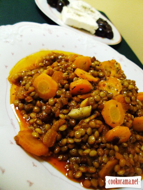 Stewed lentils with fragrant carrot