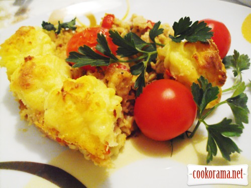 Potato casserole with minced chicken
