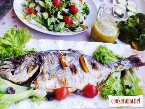 Морський окунь (дорада, сібас) запечений
