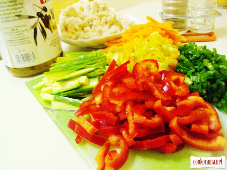 Рулетики «а-ля спринг роллы» с курицей и овощами