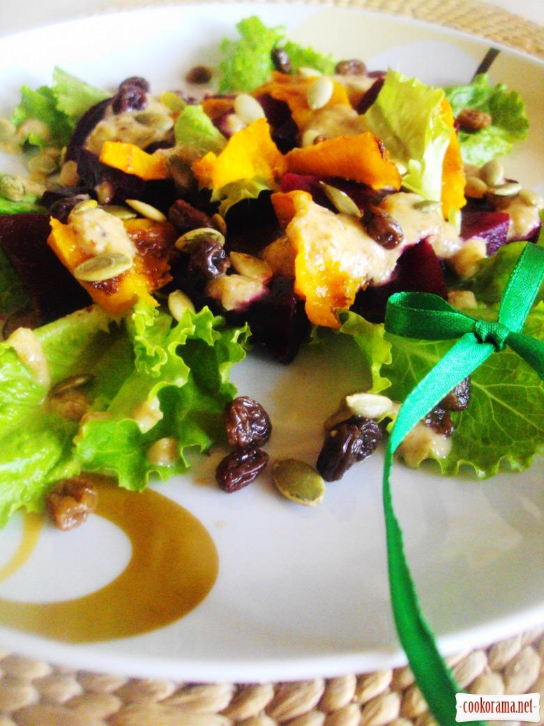 Салат с печеной свеклой и тыквой