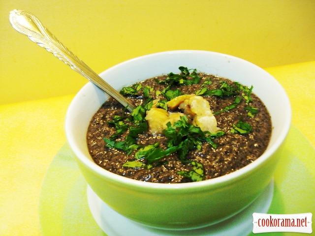 Оксамитовий грибний суп з каштанами