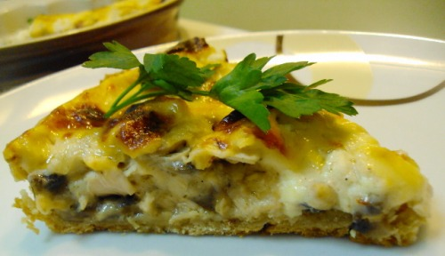 Tart with chicken and mushrooms