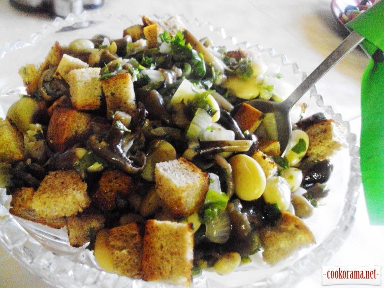 Салат з квасолею та грибами