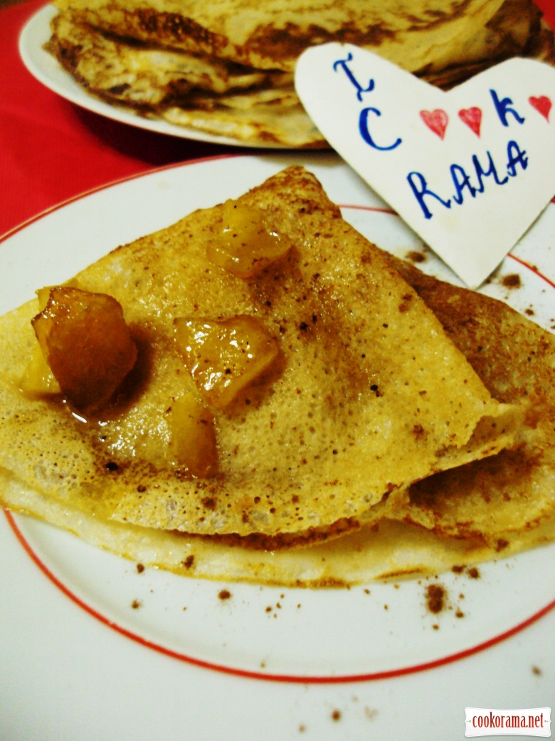 Pancakes with caramelized apples