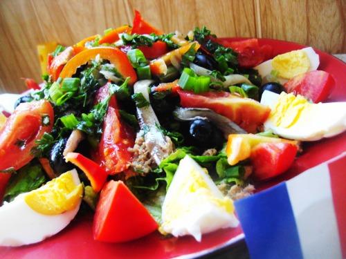"""Салат """"Нисуаз"""" (salade nicoise)"""