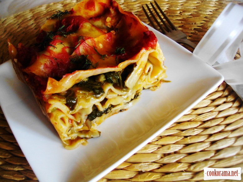 Lasagna with spinach and mushrooms
