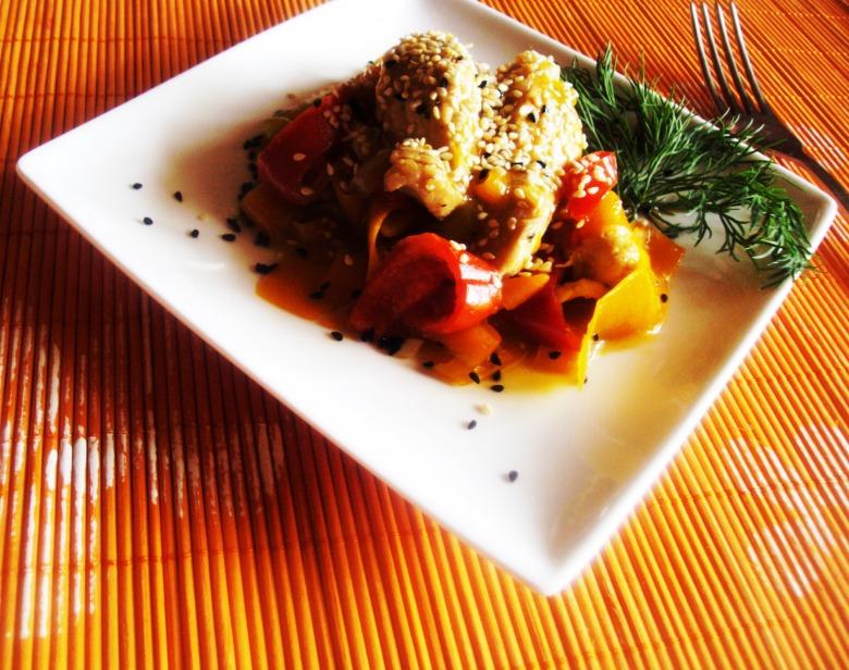 Куриная грудка с овощами в кисло-сладком соусе
