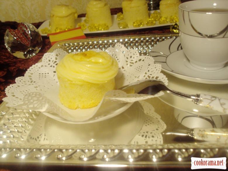 Пиононос с кремом (Piononos de crema)