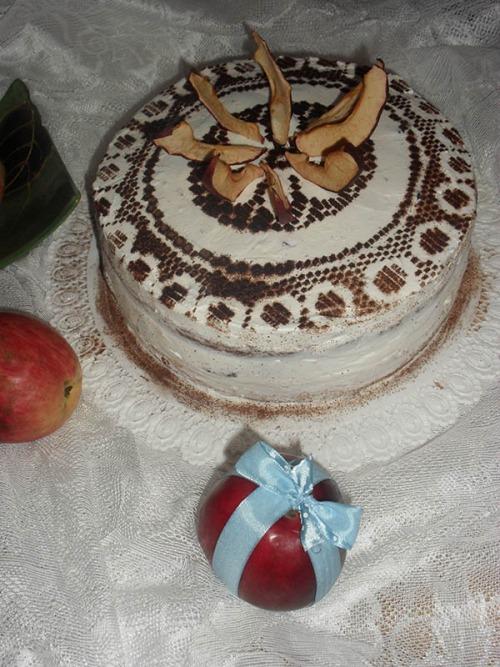 Торт з чорносливом