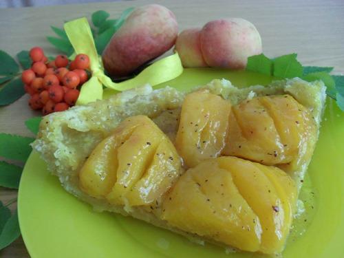 Персиковый песочный пирог