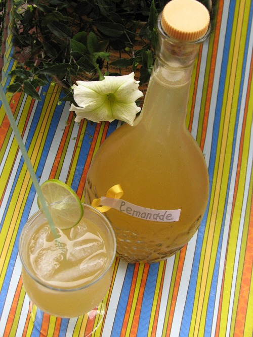 Базиліковий лимонад