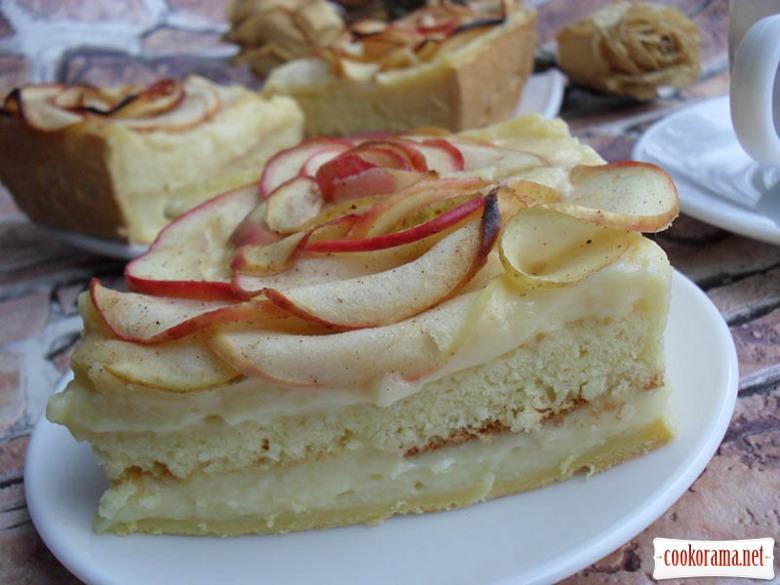 Итальянский яблочный пирог с заварным кремом