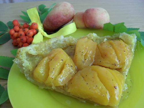 Персиковий пісочний пиріг