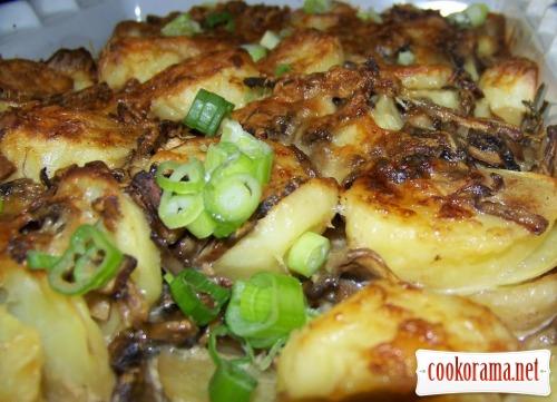 Картопля під грибним соусом