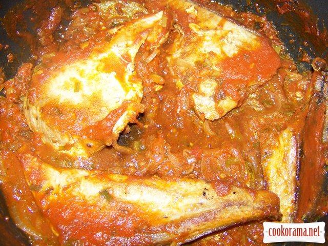Филе туны в томатном соусе