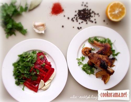 Курица по-португальски с теплым салатом из перцев