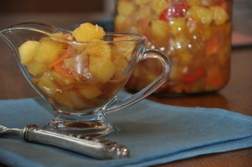 Соус з ананасами та імбиром