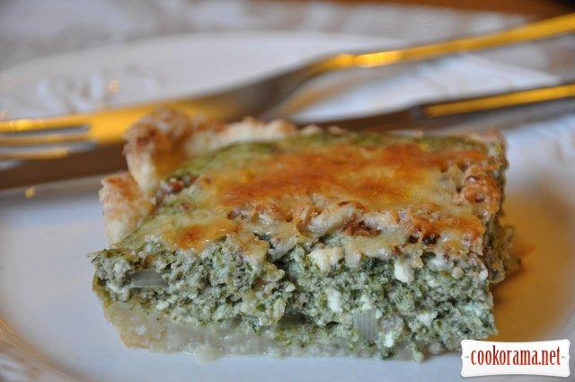 Пирог со шпинатом и творогом под корочкой из грецкого ореха