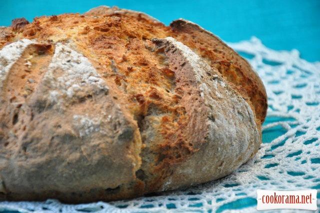 Пшенично-ржаной хлеб на кефире со специями