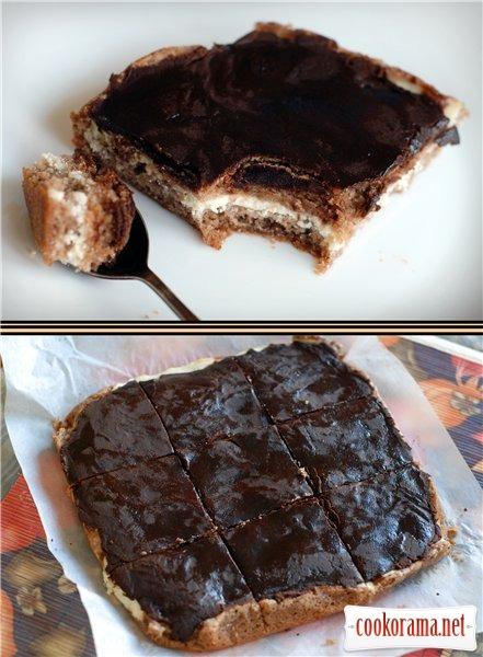 Брауни с творожной начинкой и шоколадной помадкой