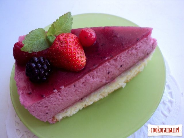 Торт «Черносмородиновое наслаждение» (Delice au cassis)  по рецепту от Джеймса Мартина.