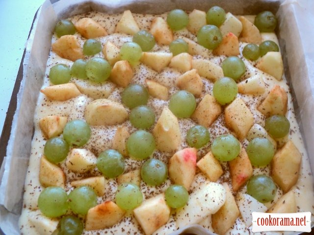 Apple-grape pie