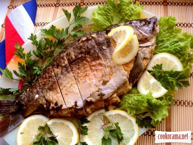 Фарширований короп з соусом «Рибний велюте»
