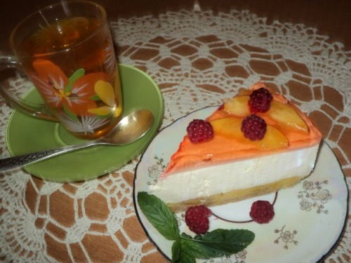 Торт «Персиковий нектар»