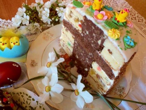 Пасхальный торт и бонус – пирожные