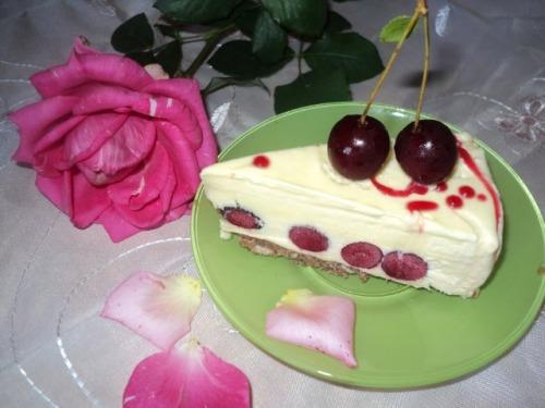 """Торт-морозиво """"Вишневий сад"""""""