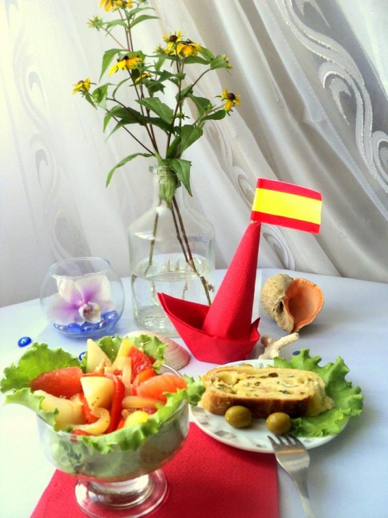 Грушевый салат со сладким перцем