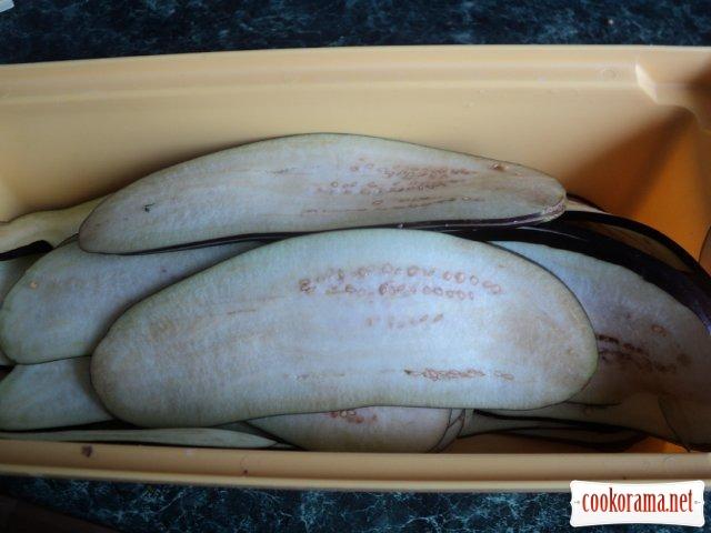 Рулетики из баклажан с мясом
