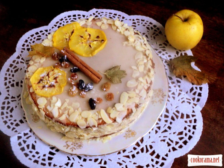 Nut cake with caramelized apples