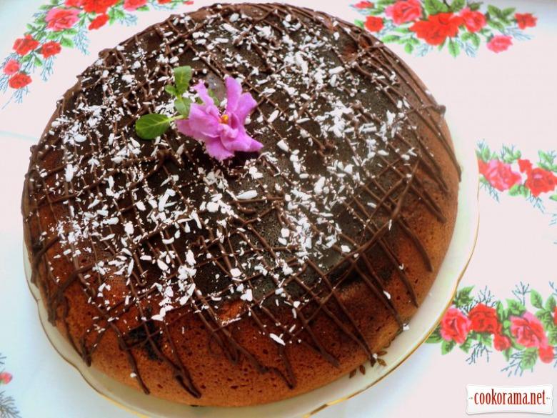 Мраморный пирог с ягодами в мультиварке
